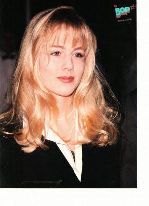 Jennie Garth long curly hair 90's