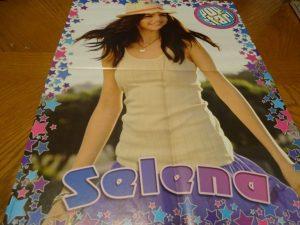 Selena Gomez Justin Bieber teen magazine poster clipping sun hat Popstar