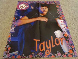 Taylor Lautner candels romantic guy
