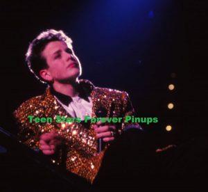 Joey Mcintyre Christmas concert 1989 New Kids on the block photo teen idols