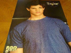aylor Lautner Selena Gomez teen magazine poster clipping light shirt Twilight