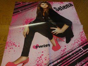 Selena Gomez weaing pink shows twist magazine
