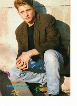Jason Priestley squatting jeans hottie