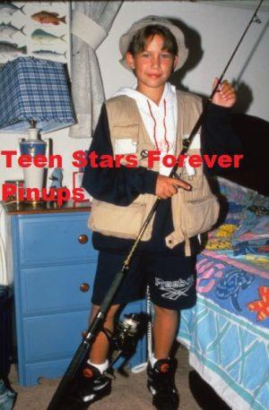 Jonathan Taylor Thomas bedroom fishing pole shorts