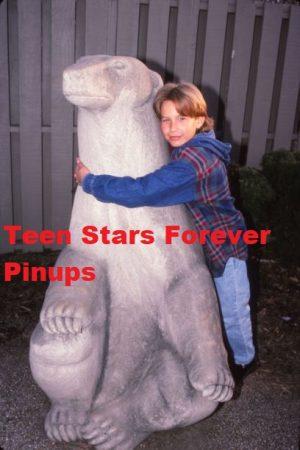 Jonathan Taylor Thomas Zoo hugging bear age 12
